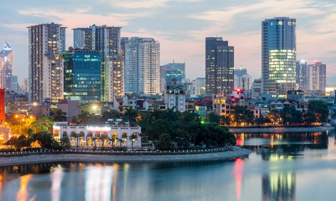 S&P raises Vietnam's outlook to 'positive'
