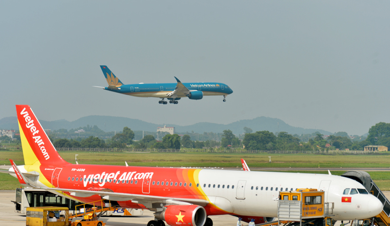 Vietnam expected to reopen int'l flights by late 2021